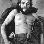 Che Guevara asesinado expuesto al público.